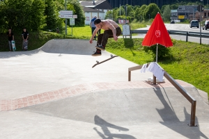 2B8A2060-2019-Contest-Front-Varial-Heel-Skateboard-3